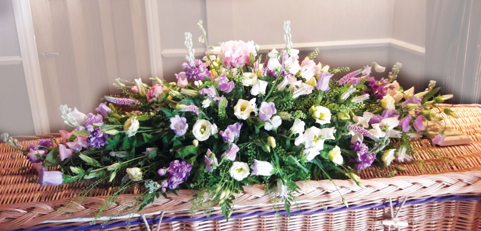 Funeral flowers colonnade florist tunbridge wells beautiful funeral flowers izmirmasajfo